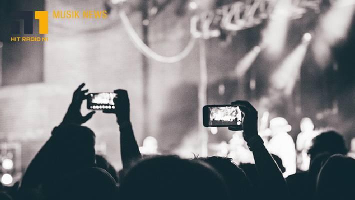 Ist das die Zukunft für Konzerte? Publikum in Gummibällchen?